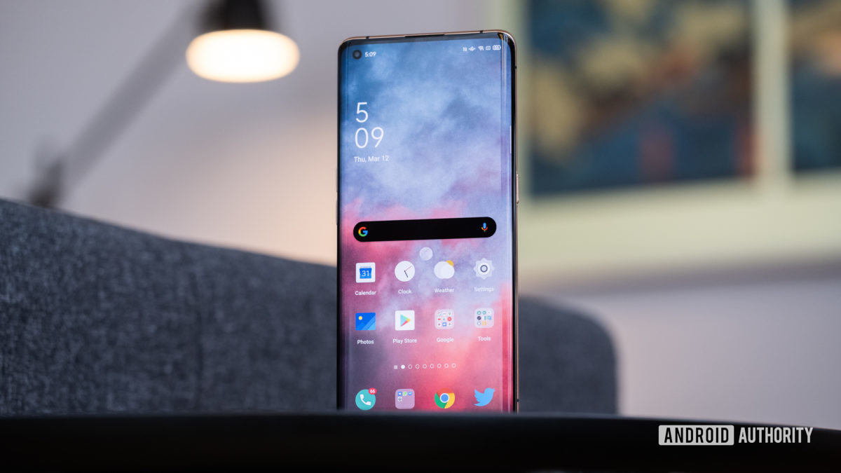 Oppo Find X2 Pro screen standing up 1