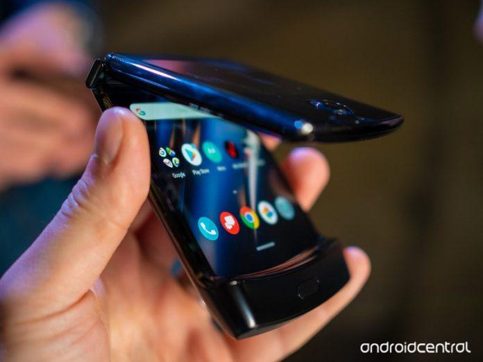Motorola's foldable RAZR debuts in India for ₹1,24,999 ($1,683)