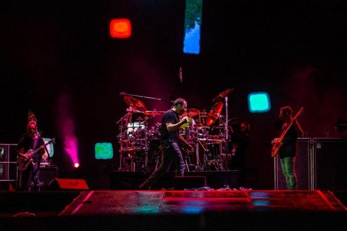 How to watch Verizon's free Dave Matthews Band performance online