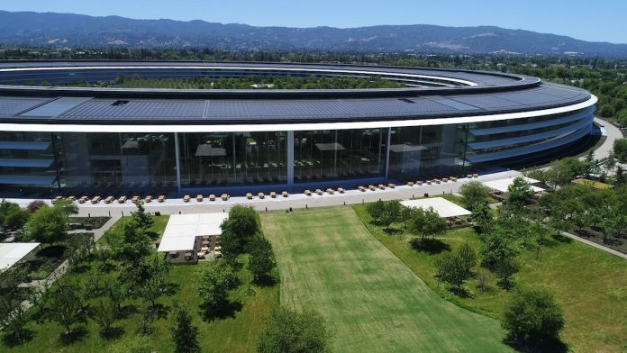 Apple to Continue Paying Contract Workers While Campuses Are Shuttered