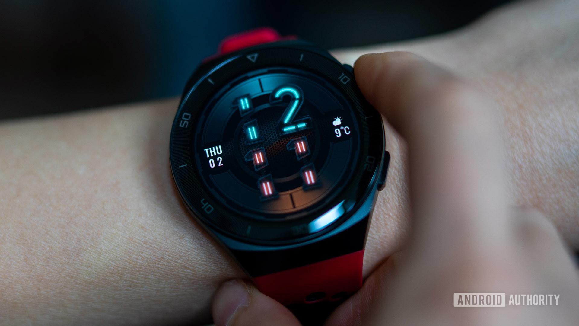 Huawei Watch GT2e in use on wrist