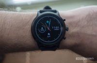 fossil gen 5 smartwatch review on wrist watch face display 2