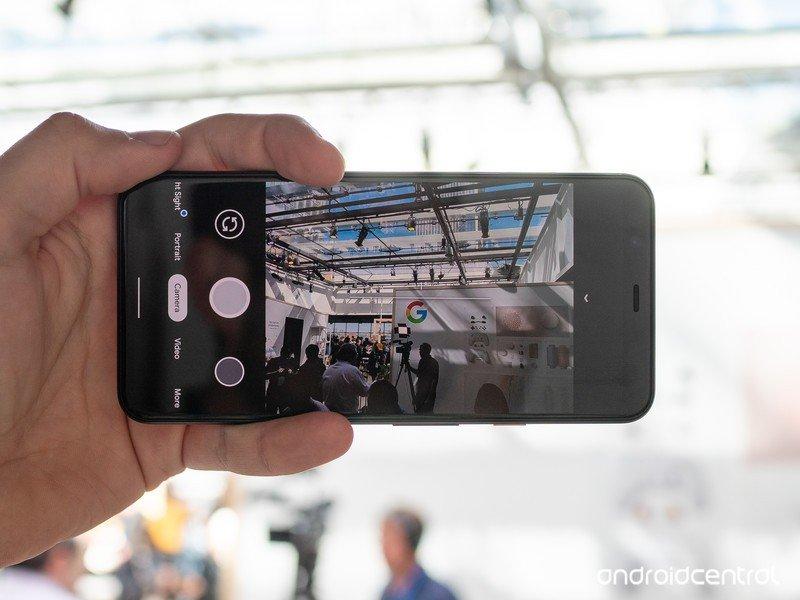 pixel-4-camera-ui.jpg?itok=CVKQwa8g