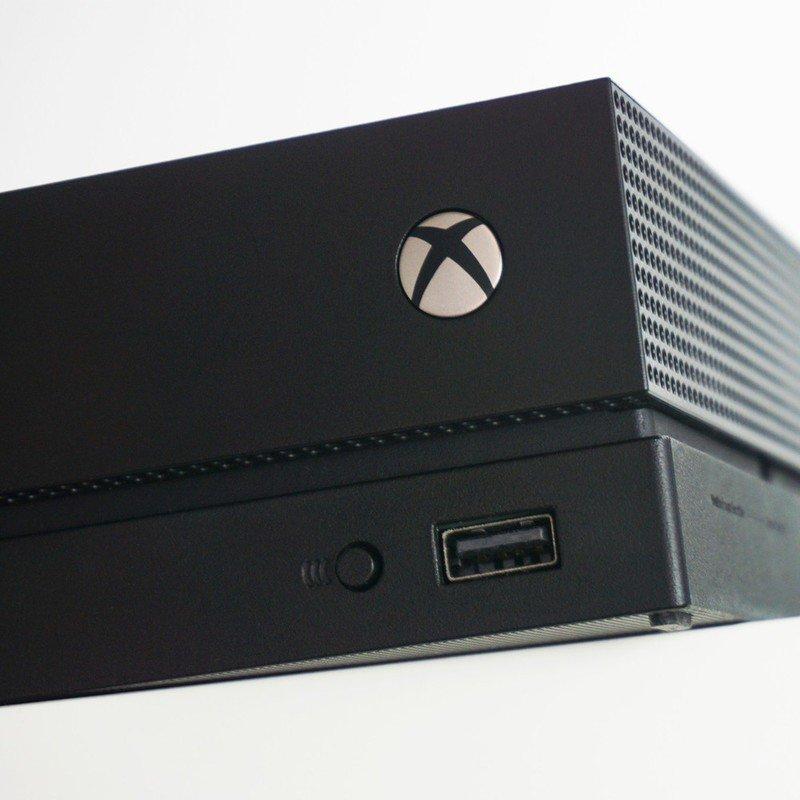 xbox-one-x-console-2.jpg?itok=O1qefYow