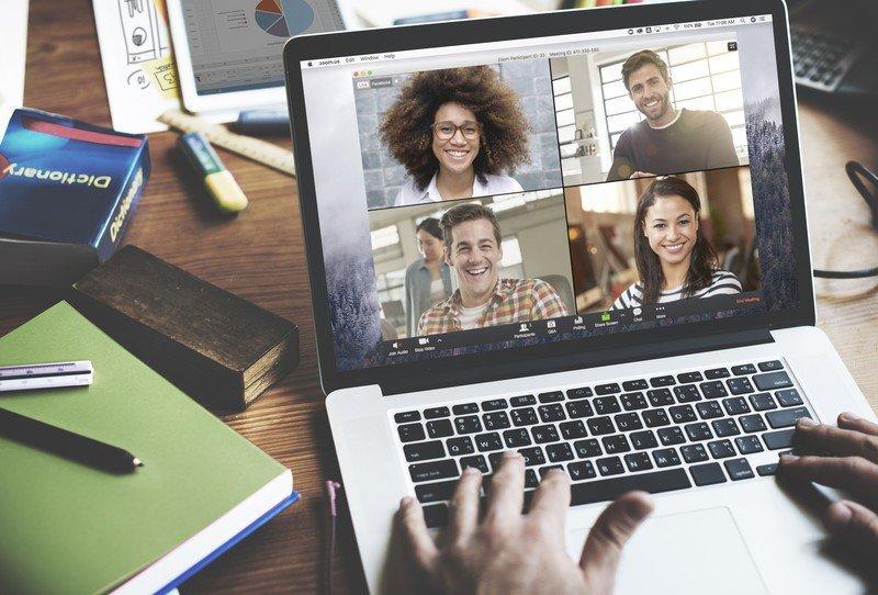 zoom-meeting-macbook-lifestyle-12ftv.jpg