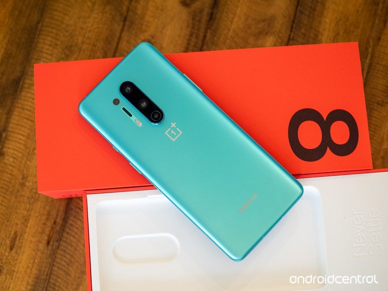 oneplus-8-pro-green-with-box.jpg?itok=ZH