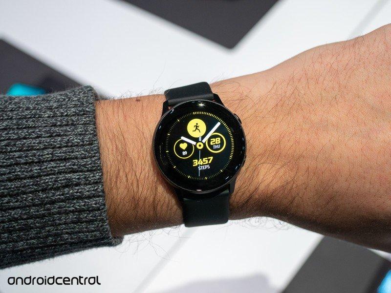 galaxy-watch-active-black-5.jpg?itok=6Aj