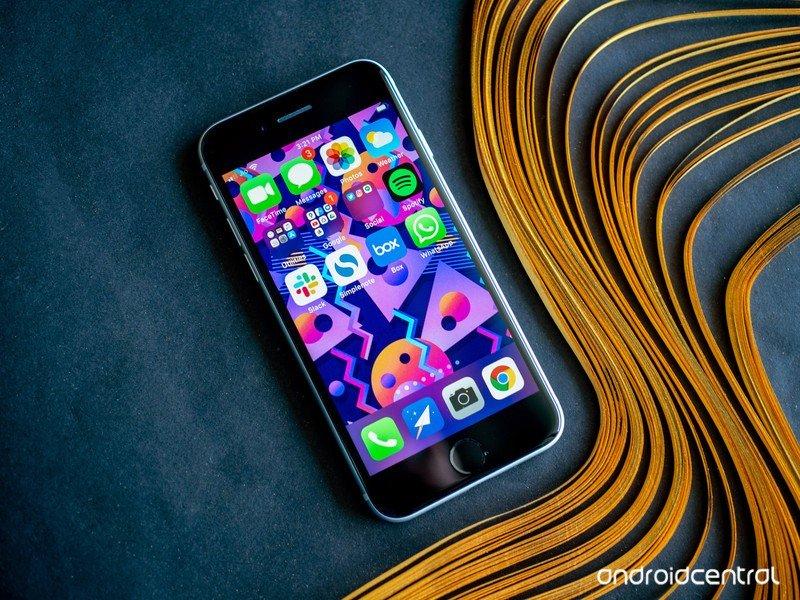 iphone-se-2020-25.jpg?itok=UjM-1AUH