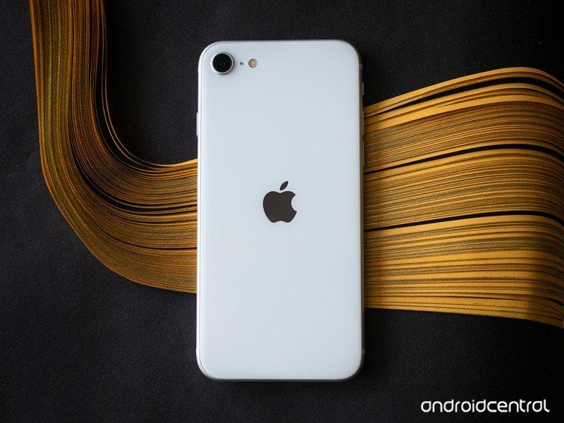 iphone-se-2020-37.jpg?itok=7jWUwm43