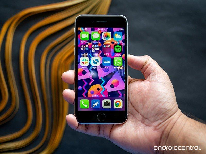iphone-se-2020-22.jpg?itok=64MirfwB