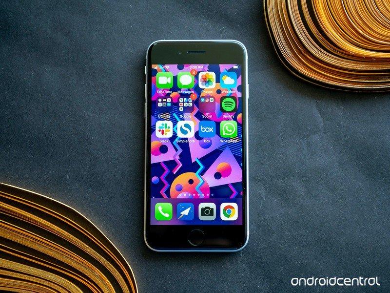 iphone-se-2020-30.jpg?itok=MmWhmsjr