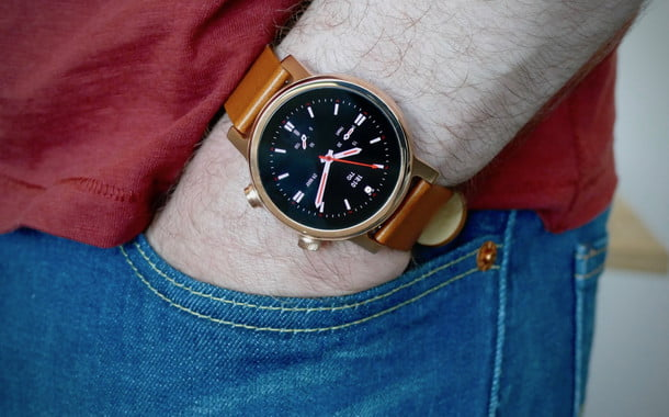 Moto 360 review: Classic smartwatch, stunning new design