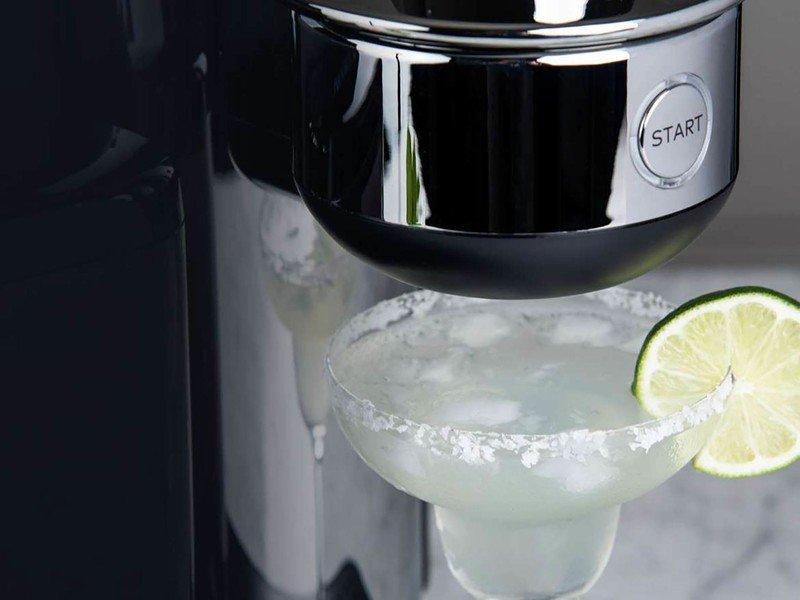drinkworks-pouring.jpg?itok=A3Uxyfm5
