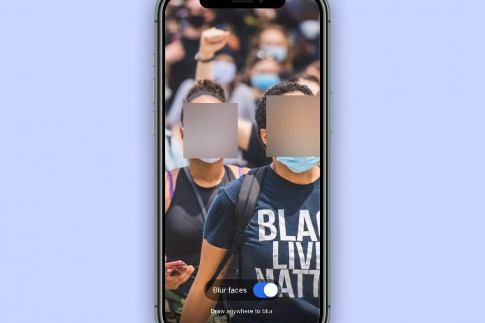 How to blur faces in pictures before sending them on Signal