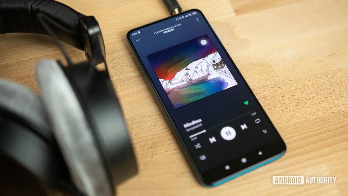 Poco F2 Pro Headphones connected
