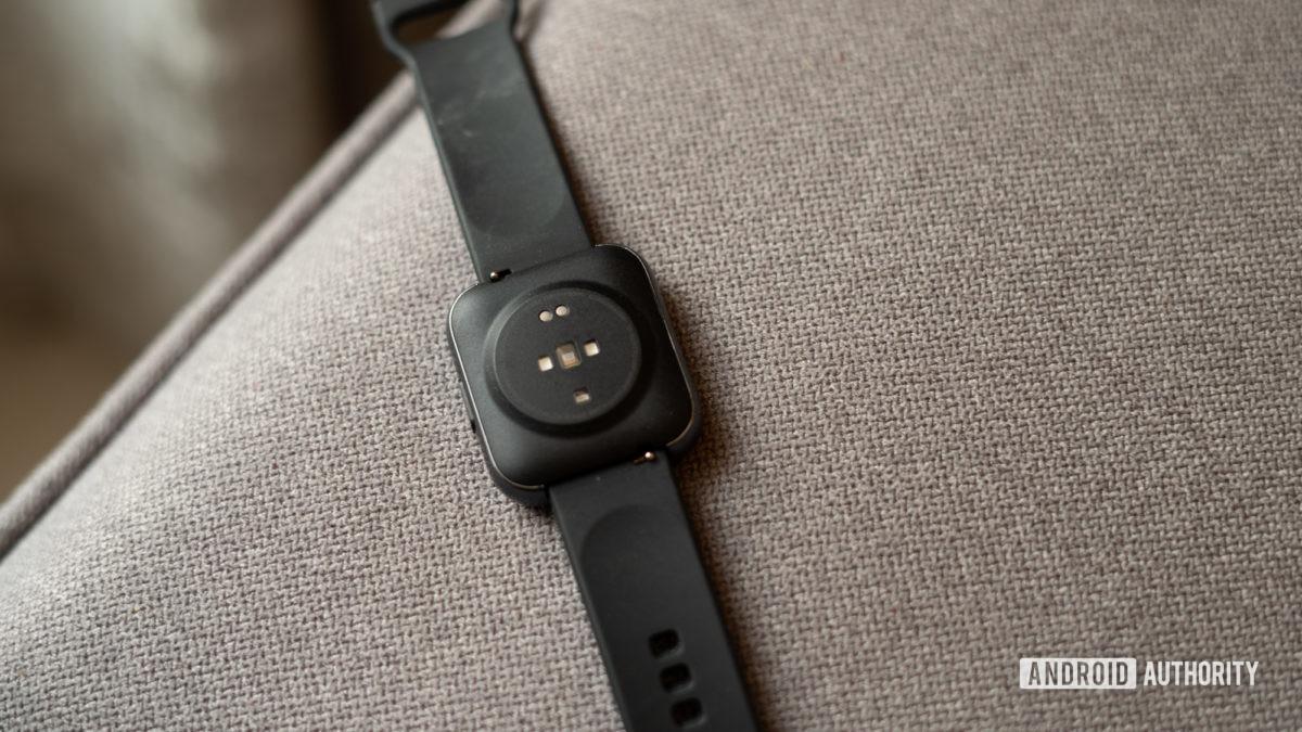 Realme Watch rear pogo pins