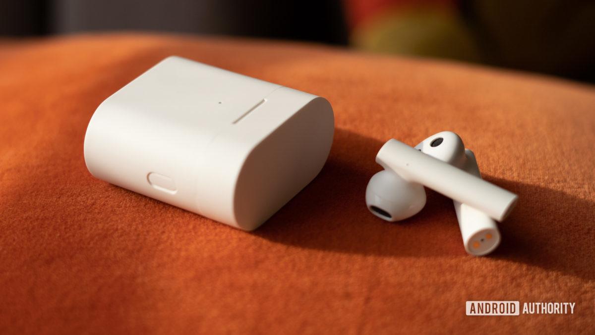 Image of Xiaomi True Wireless Earphones 2 control button