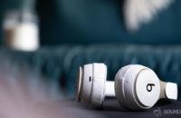 Beats Solo Pro noise cancelling headphones Lightning connector input Apple