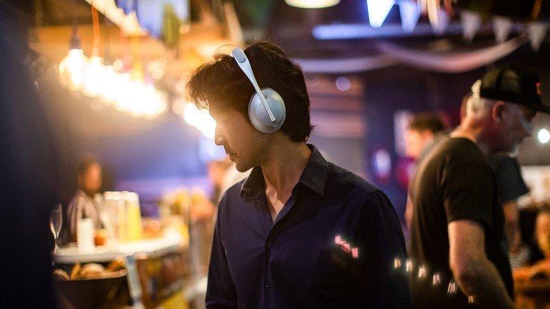 bose-noise-cancelling-headphones-700-lif