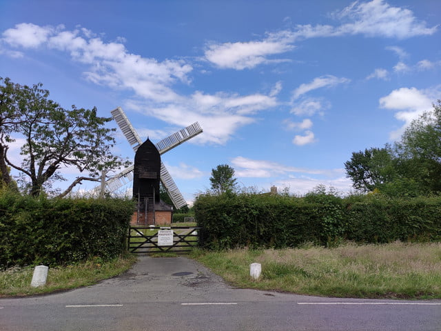 xiaomi poco f2 pro review windmill