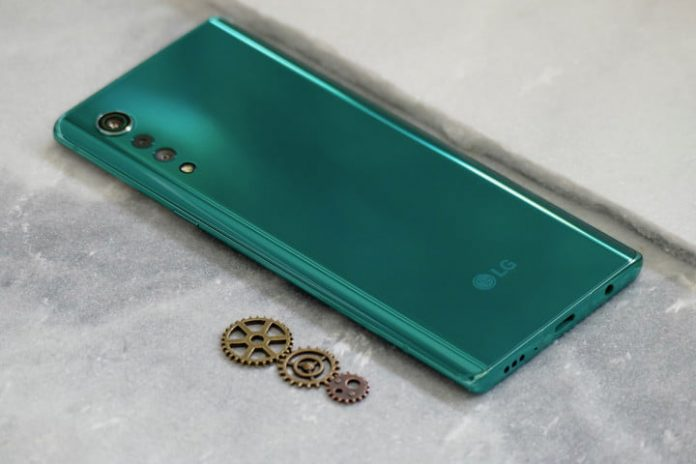 LG Velvet vs. iPhone 11: Solid hardware vs. solid software