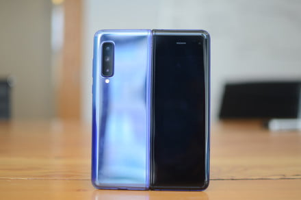 Samsung Galaxy Fold Lite with $900 price tag reportedly in the works