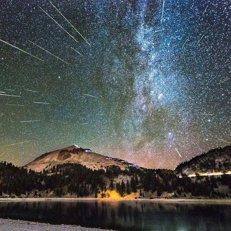 meteors-over-lassen-park-corypoole.jpg