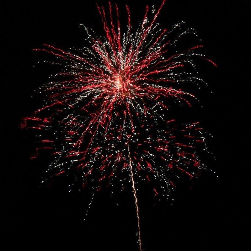 minimalist-fireworks-sorlance.jpg