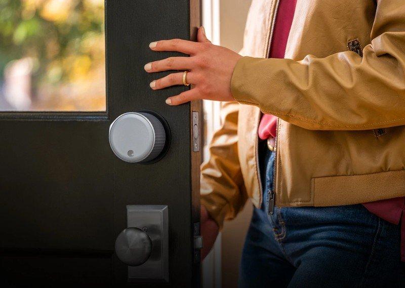 august-wi-fi-smart-lock-on-door_0.jpg