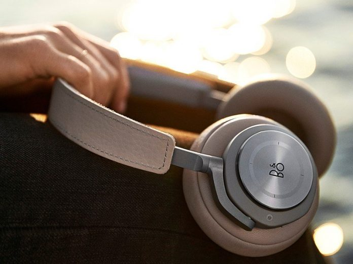 Want to hear voices in sync? Check out these aptX LL headphones