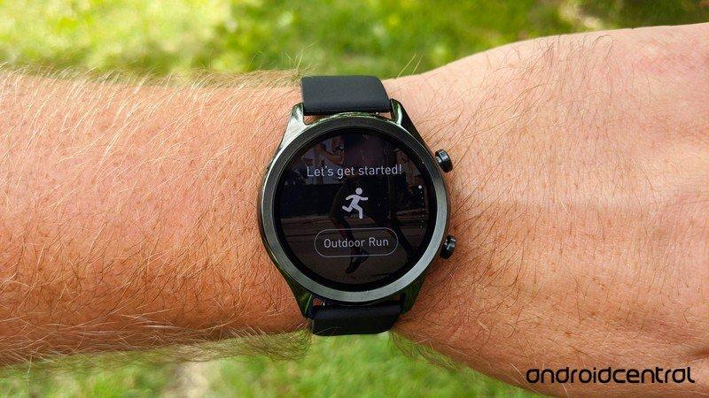 mobvoi-ticwatch-c2plus-lifestyle-6.jpg