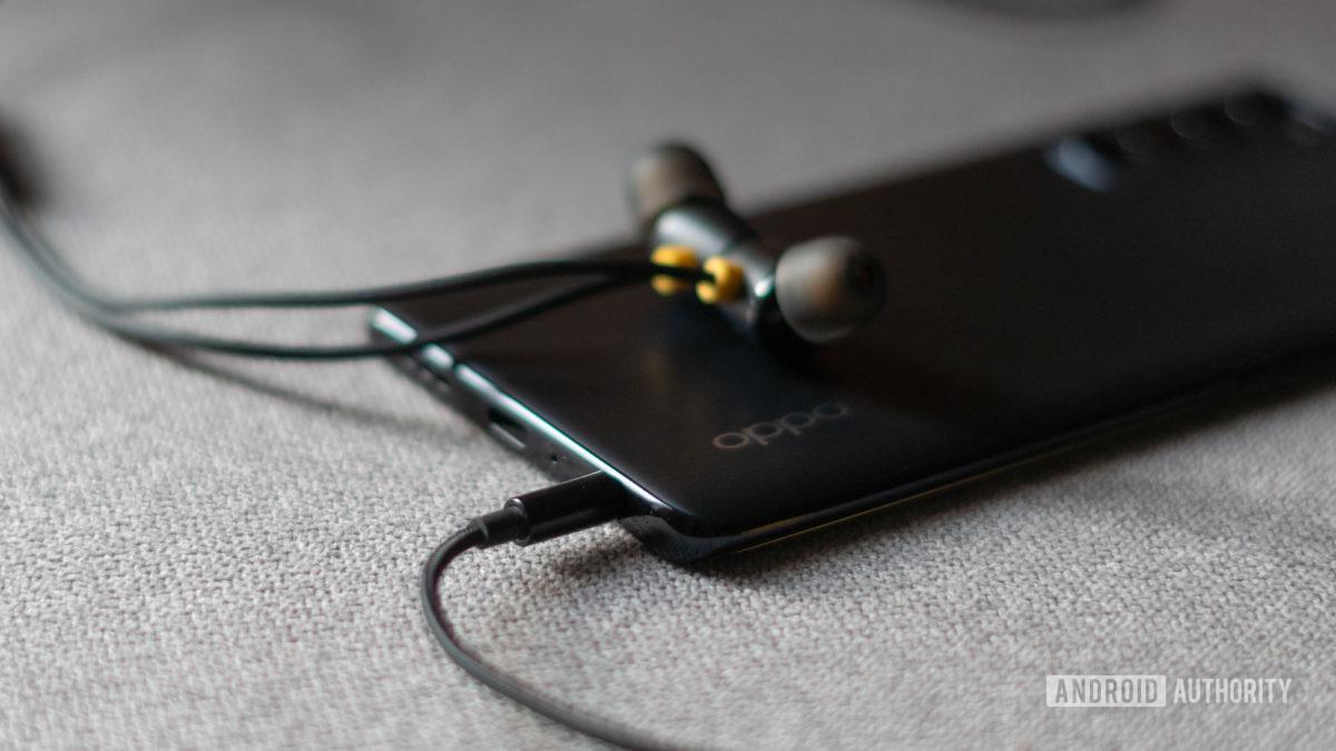 Oppo Reno 4 Pro headphone jack
