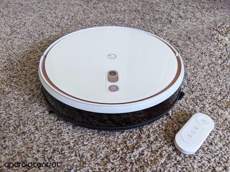 yeedi-k700-robot-vacuum-and-remote.jpg