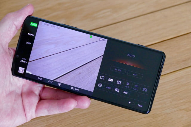 sony xperia 1 ii review photo pro app