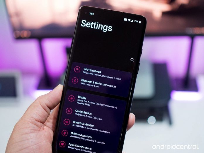 With OxygenOS 11, OnePlus ditches stock Android for Samsung's One UI