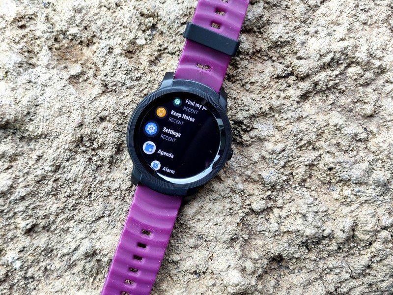ticwatch-e2-black-rough-concrete-apps-li