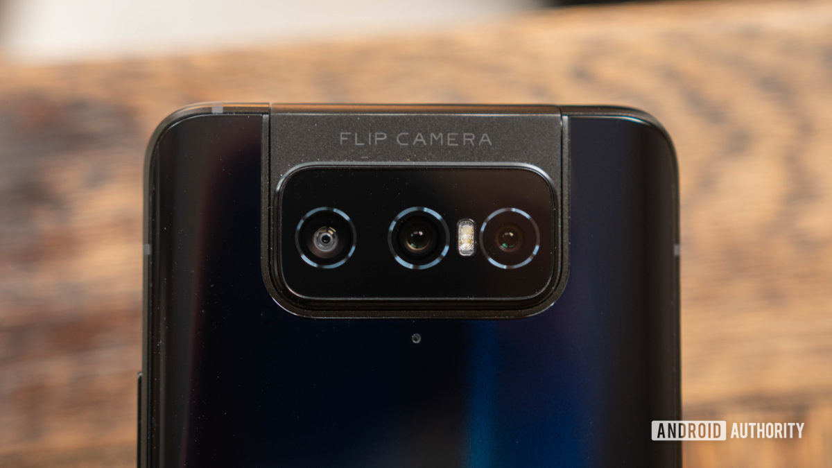 Asus Zenfone 7 triple flip camera close up