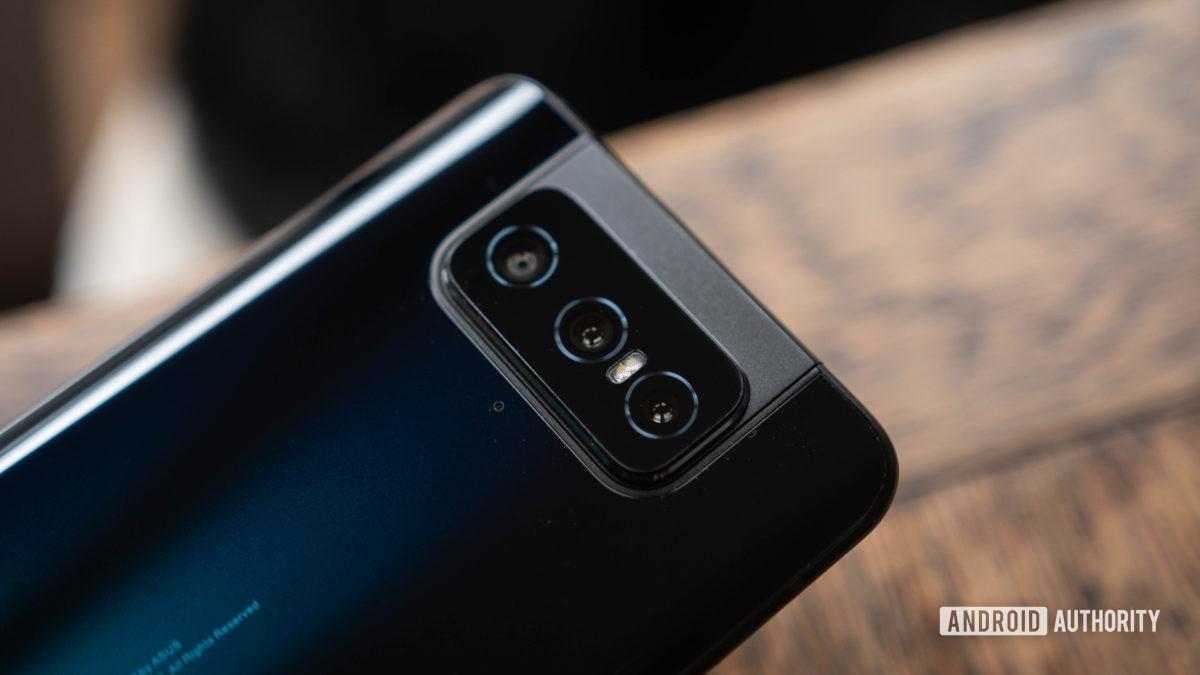 Asus Zenfone 7 triple flip camera