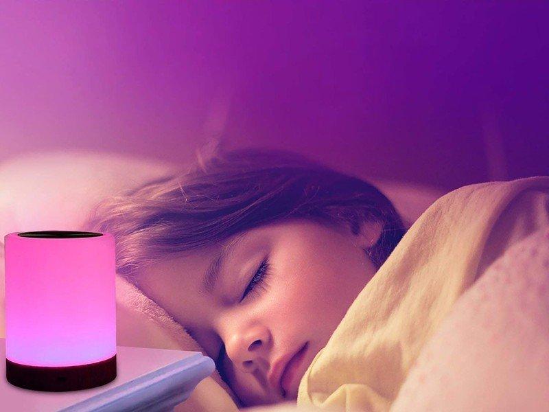 unifun-night-light-touch-lamp-lifestyle.