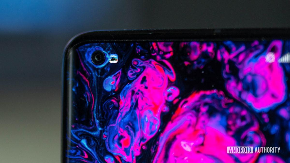 Xiaomi Mi 10 Ultra punch hole