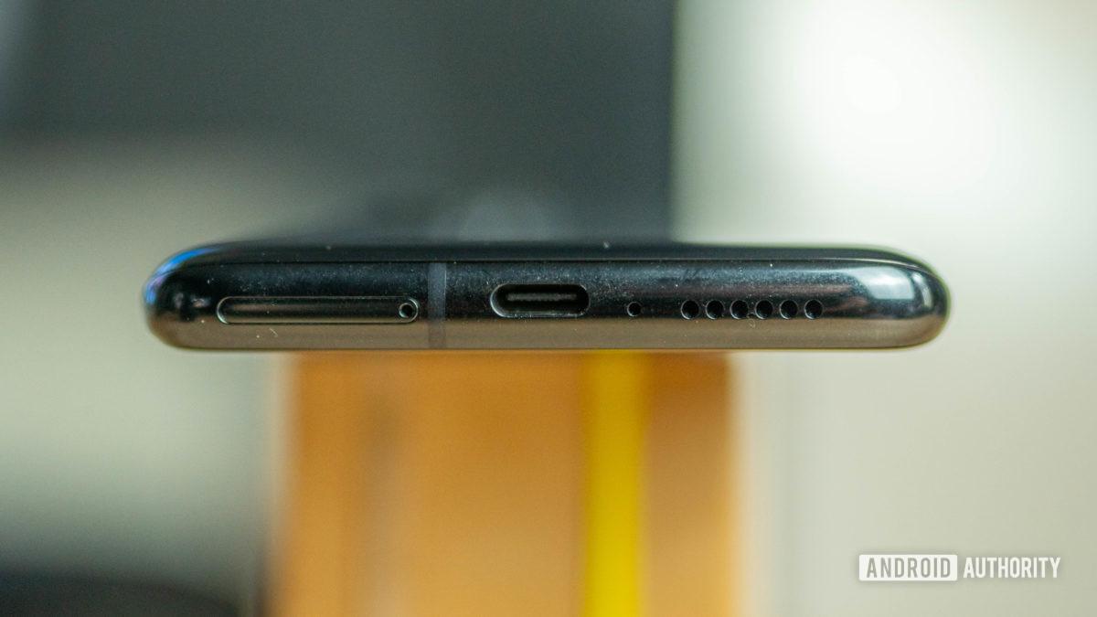 Xiaomi Mi 10 Ultra bottom side view