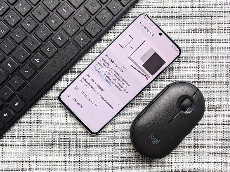 dex-accessories-logitech-keyboard-mouse-