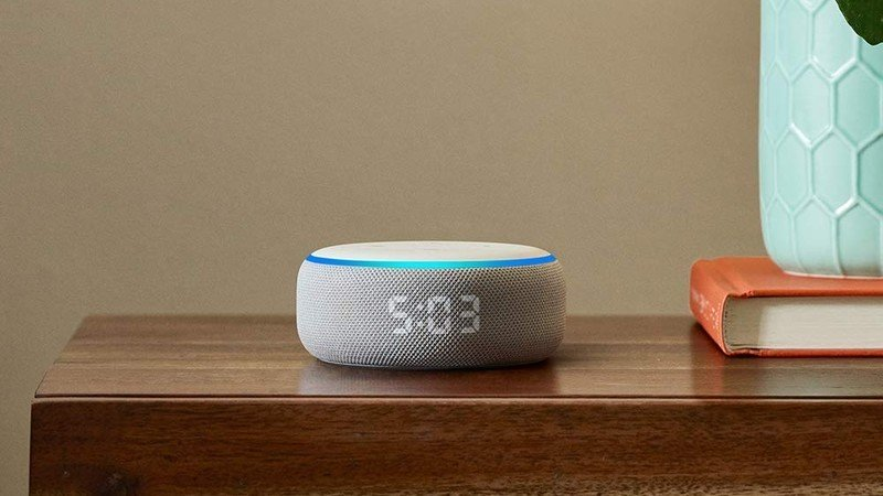 amazon-echo-dot-with-clock-official-life