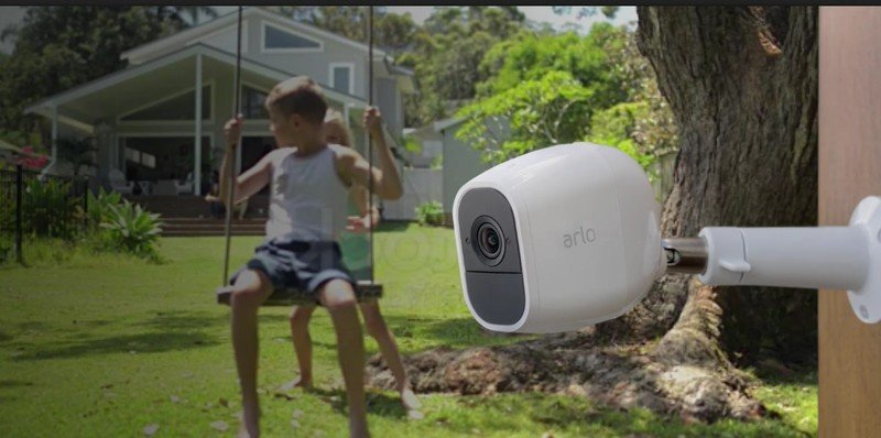 arlo-pro-2-official-lifestyle-2.jpg
