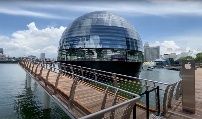 Video Provides Walkthrough of Apple Marina Bay Sands in Singapore on Opening Day