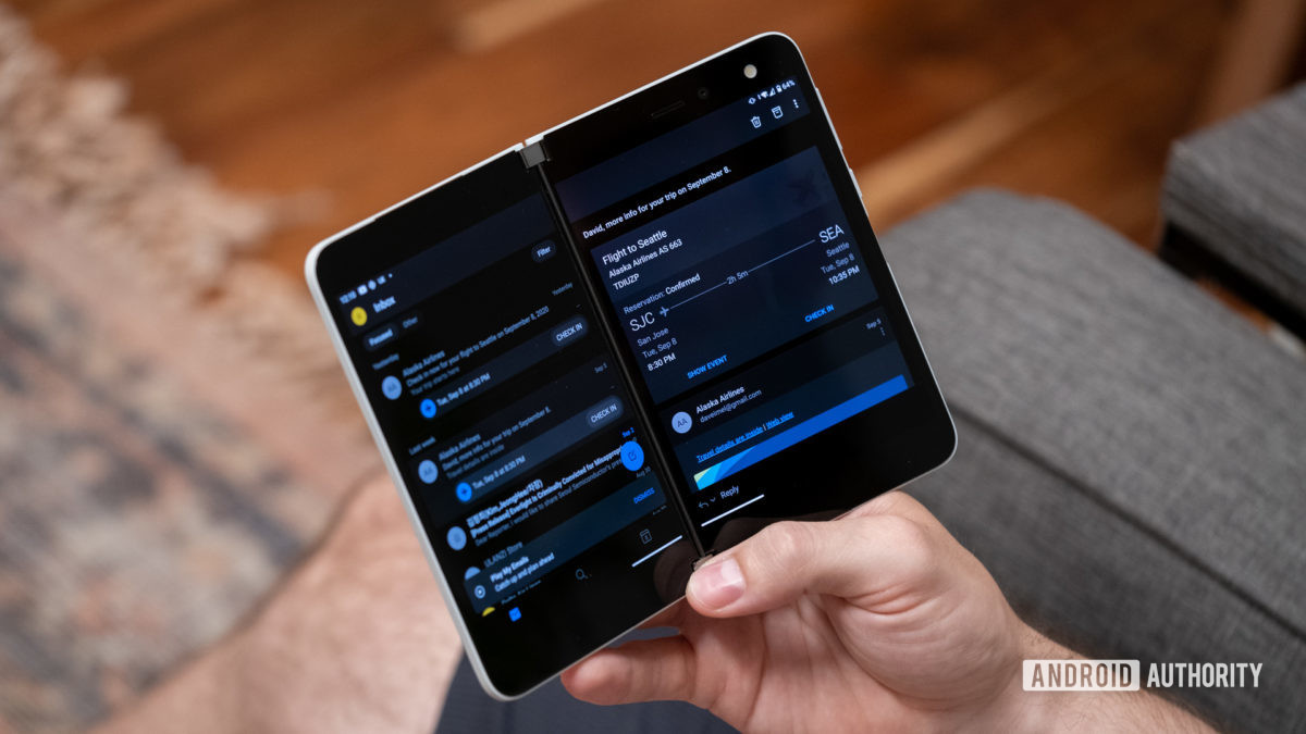 Microsoft Surface Duo using single app spanned