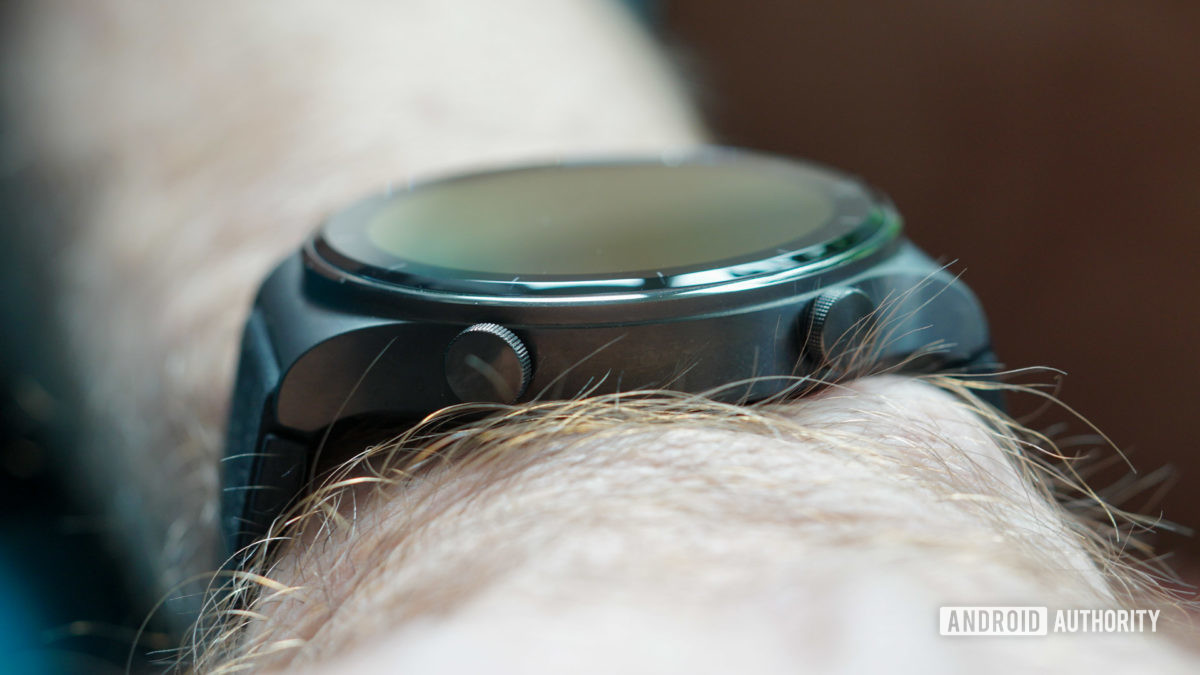 Huawei Watch GT 2 Pro physical buttons side view