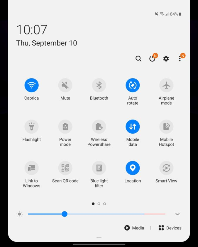 Samsung Galaxy Z Fold 2 Main Display quick settings