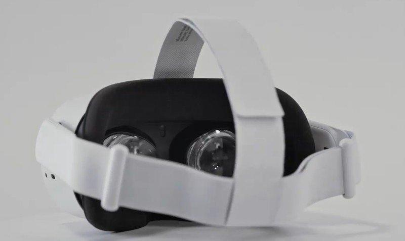 oculus-quest-2-leak-headset.jpg