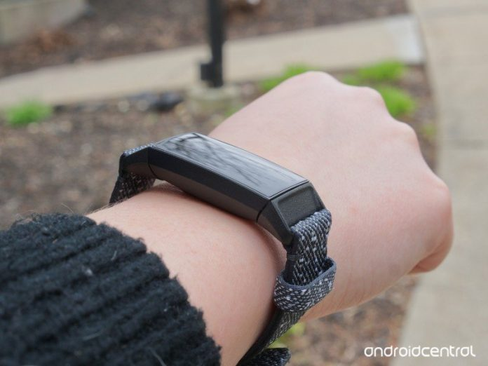 Fitbit confirms Charge 4 band defect affecting